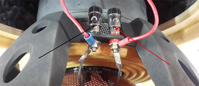 Как подключить 2 катушечный сабвуфер